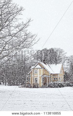 Ramlosa Brunnspark House In Winter