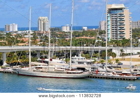 View of Fort Lauderdale with boats and yatchs