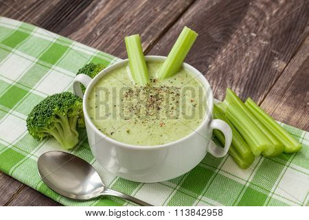 Broccoli Soup With Celery