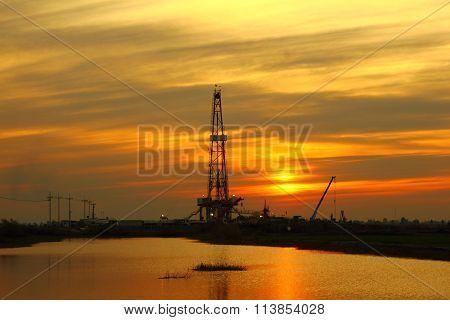 Oil platform drilling rig