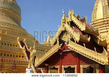 Details of the roof-line of the Shwe Zi On Zedi Pagoda in Bagan, Myanmar poster