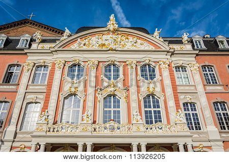Facade of the      Electoral Palace in Trier in autumn, Germany