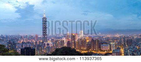Taipei, Taiwan skylines building at dusk panorama
