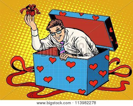 Man Valentine day surprise box love gift