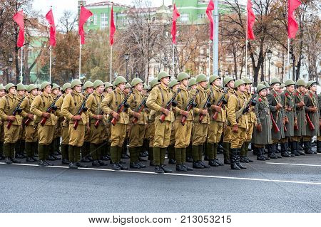 Samara Russia - November 6б 2017: Soldiers in old soviet military uniform. Reenactment of the parade in 1941 at the Kuibyshev square