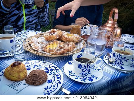 Fika time in a perfect Swedish afternoon. When the sun starts to set, and the fiends are coming over, is time for a cup of coffee with sweets.