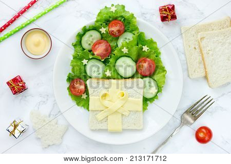 Christmas tree shaped appetizer healthy and vegetarian Christmas fun food idea