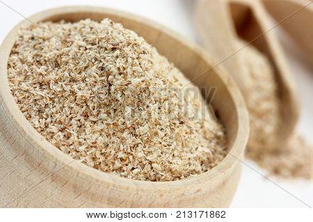 Wheat bran or oat bran for dietary nutrition