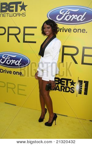 LOS ANGELES - JUN 25:  Tika Sumpter arriving at the 5th Annual Pre-BET Dinner at Book Bindery on June 25, 2004 in Beverly Hills, CA