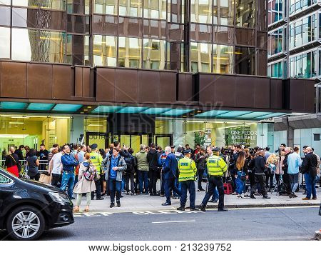 People Waiting For Corbyn In London, Hdr