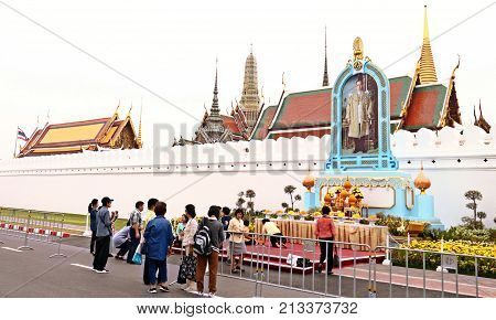 BANGKOK-THAILAND : November 6 2017 Thai people come for pay respect to the funeral exposition for The King Bhumibol Adulyadej at Sanam Luang