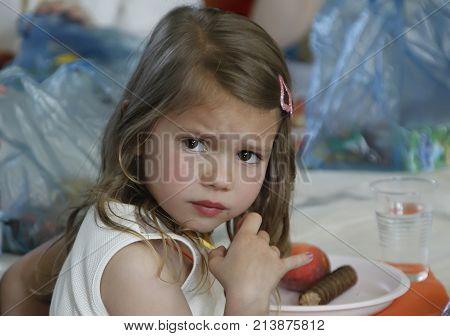 Belarus, The City Of Gomel, May 26, 2016. Kindergarten Volotovskaya.beautiful Girl, Child In Kinderg