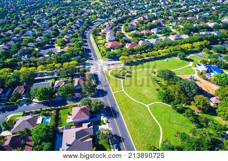 Summer Houses And Homes In Real Estate Development Modern Living In Suburb Suburbia Perfect Summer L