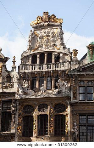 Detail of statues on Maison du Cornet or De Hoorn in Grandplace in Brussels poster