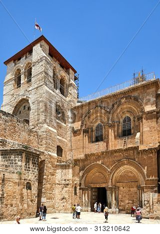 Jerusalem, Israel - July 10, 2019: Vew On Main Entrance To The Church Of The Holy Sepulchre In Old C