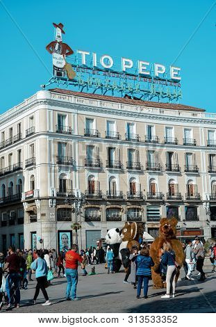 Madrid, Spain-24 February 2019:tio Pepe Avertisment Et Square