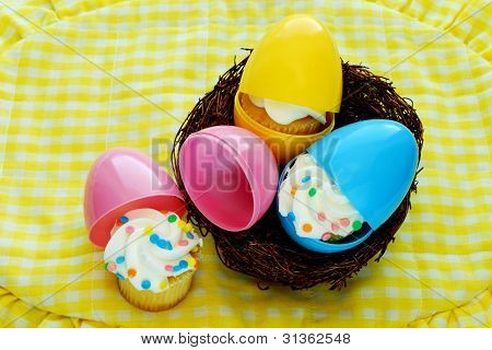 Cupcakes Hatch From Easter Eggs