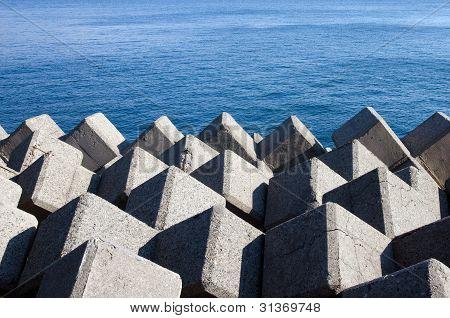 Wave dissiption blocks