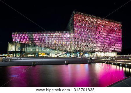 Reykjavik Iceland - Oktober 26. 2018: Concert Hal Harpa In The Evening With Pink Light
