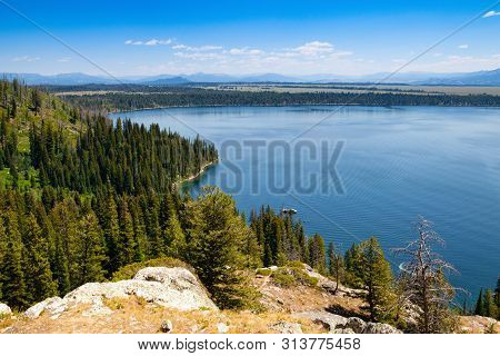 Jenny Lake, Wyoming, Usa. Jenny Lake Is Located In Grand Teton National Park In The U.s. State Of Wy