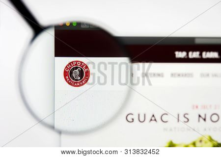 Richmond, Virginia, Usa - 27 July 2019: Illustrative Editorial Of Chipotle Mexican Grill Inc Website