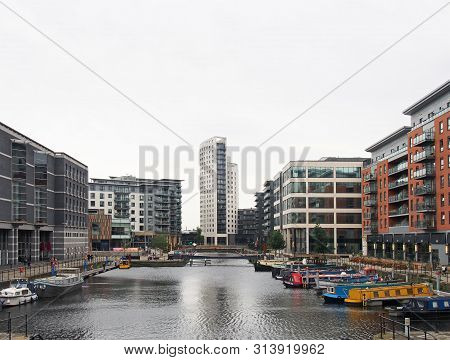 Leeds, West Yorkshire, United Kingdom - 4 July 2019: A View Of Leeds Dock From With Houseboats Moore
