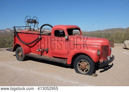 APACHE JUNCTION, ARIZONA - DECEMBER 8, 2016: Antique Fire Engine at the Goldfield Ghost Town, in Apache Junction, Arizona, off of Route 88.