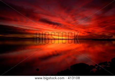 Dramatischen Sonnenuntergang