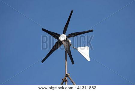 Domestic wind turbine generator
