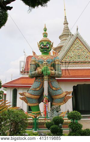 The Giant Wat Chaeng The Green Giant Named Tossakan (ravana) Standing Guardian At The Entrance Of Th