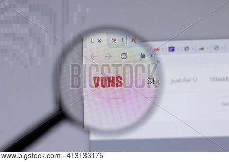 New York, Usa - 18 March 2021: Vons Company Logo Icon On Website, Illustrative Editorial