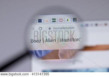 New York, Usa - 18 March 2021: Booz Allen Hamilton Company Logo Icon On Website, Illustrative Editor