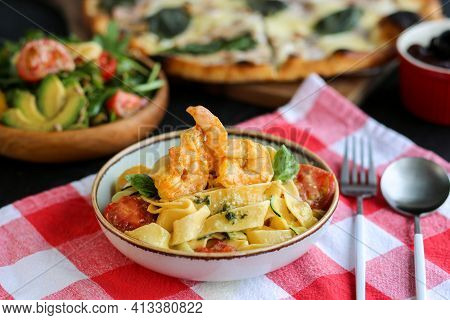 Pappardelle Pasta With Shrimps.pasta With Shrimps And Tomatoes.italian Dishes.italian Homemade Pasta