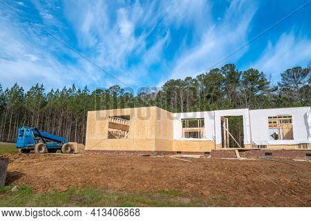 New house construction in the booming economic growth area of North Carolina.