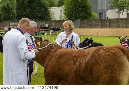 East Kilbride, South Lanarkshire, Scotland, Uk - June 14, 2014: June Hamilton From Chapelton And Bob