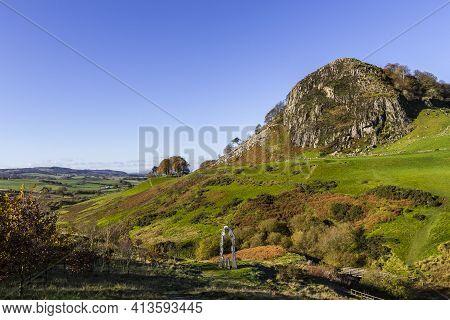 Darvel, East Ayrshire, Scotland, Uk - October 27, 2018: Loudoun Hill And The Spirit Of Scotland Monu