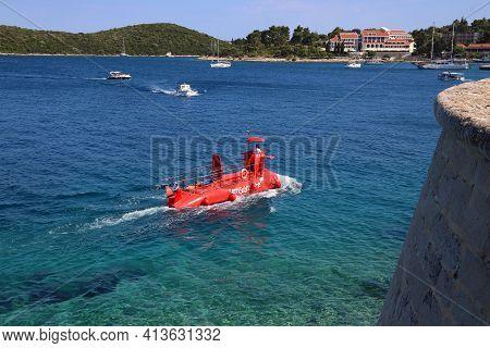 Korcula, Croatia - June 24, 2019: Tourist Attraction In Korcula Island, Summertime Croatia. Semi-sub