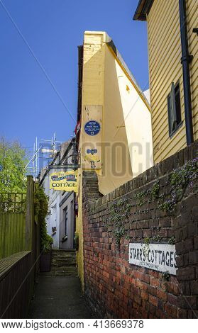 May 2015, Hastings, East Sussex, Uk -  Alley And Piece Of Cheese Cottage In The Old Town, Hastings,