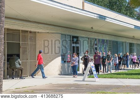 New Orleans, La - October 17: People In Line For Early Voting At Lake Vista Polling Place On October