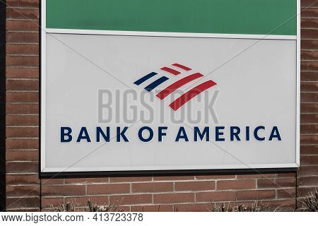 Indianapolis - Circa March 2021: Bank Of America Bank And Loan Branch. Bank Of America Is Also Known