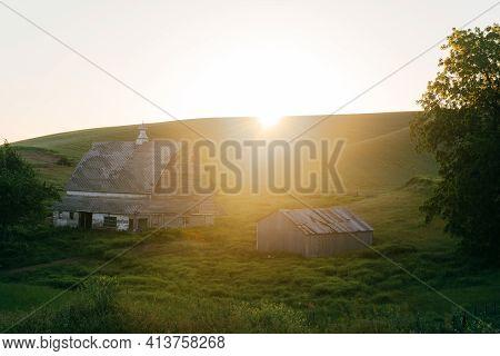 Sunrise Landscape - Glenwood, Washington Palouse Rural Landscape