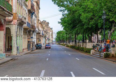 Havana Cuba. November 25, 2020: Photo Of Paseo De Marti Avenue. Colonial Buildings On One Side And T