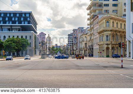 Havana Cuba. November 25, 2020: Horizontal Photo Of Paseo Del Prado And Paseo De Marti Avenue. Colon