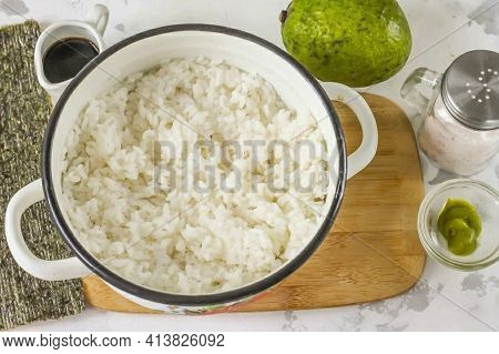 Rinse The Rice Thoroughly In Water Several Times. Pour Into A Cauldron Or Saucepan And Cover With Ho