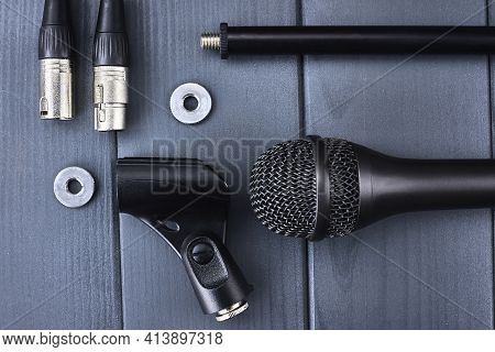 Complete Microphone Kit With Dynamic Microphone With Black Capsule, Mic Fixing Bracket, Clamping And