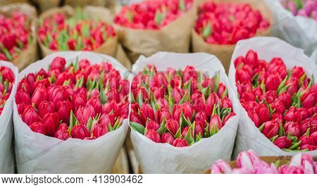 Wholesale Floristic Base, Shop With Flowers For Valentine's Day On February 14, International Women'