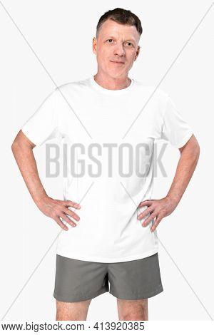 Man wearing basic white t-shirt