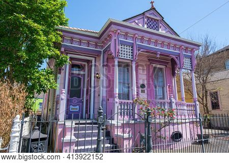 New Orleans, La - March 21: Historic Painted Lady's Inn On Marigny Street On March 21, 2021 In New O