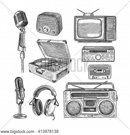 Retro Media Engraved Illustrations Set. Hand Drawn Sketch Of Vintage Television, Radio, Tape Recorde