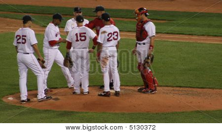 Red Sox Team At Pitchers Mound